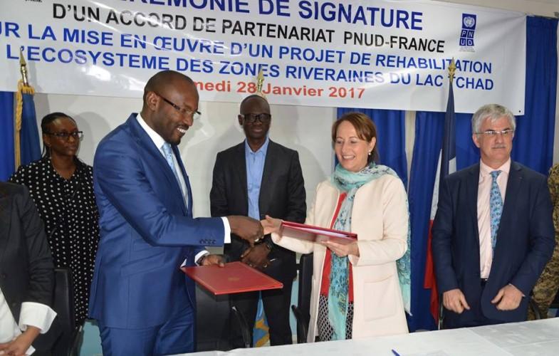 Une convention entre le Tchad et la France pour la réhabilitation et la restauration de l'écosystème du Lac Tchad