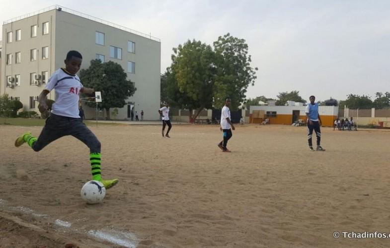 Le Complexe Scolaire International Bahar promeut le football scolaire