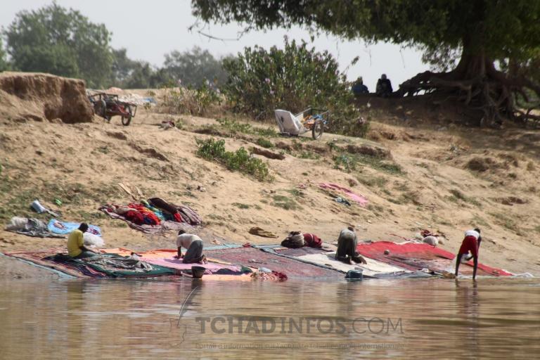 """Human of N'Djamena:  """"Mon père a été blanchisseur, je le suis, mais mes  fils ne le seront pas"""" Abba-Khali"""