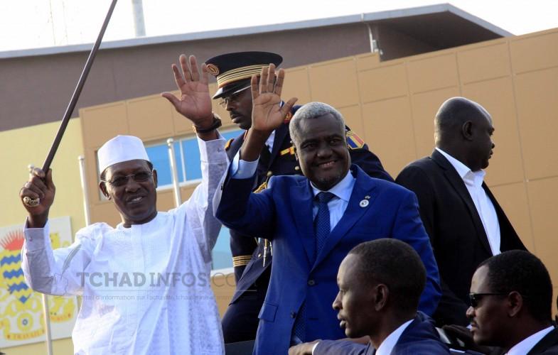 Tchad: Moussa Faki Mahamat reçoit les honneurs de la Nation