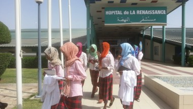 Education : la section des filles du Complexe Scolaire International Bahar visite l'hôpital de la Renaissance