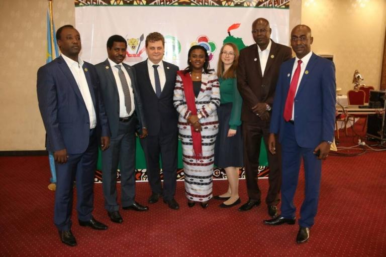 Une délégation de jeunes politiques tchadiens à Kinshasa pour préparer la participation de l'Afrique au Forum Mondial des jeunes et étudiants