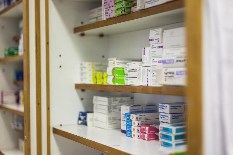 Santé: les pharmacies parallèles échappent au contrôle de l'État