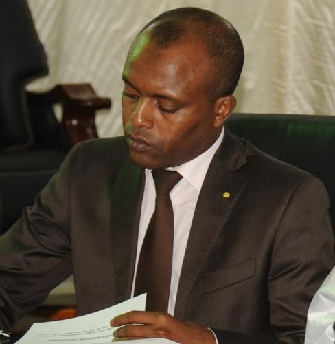 Tchad : Pas de réduction de salaire sans concertation, selon Abdoulaye Sabre Fadoul