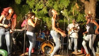 Le groupe MATANIA donne un concert de levée de fonds pour participer au FESPAM