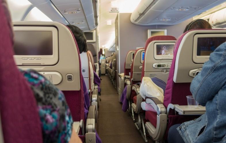 Insolite : un Américain tente d'ouvrir la porte d'un avion en plein vol