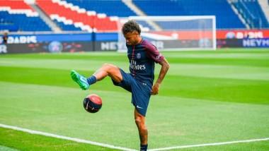 Sport : Neymar ne jouera pas contre Amiens aujourd'hui