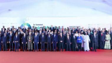 Sommet UA-UE : Macron annonce une opération pour démanteler les réseaux de trafiquants de migrants en Libye