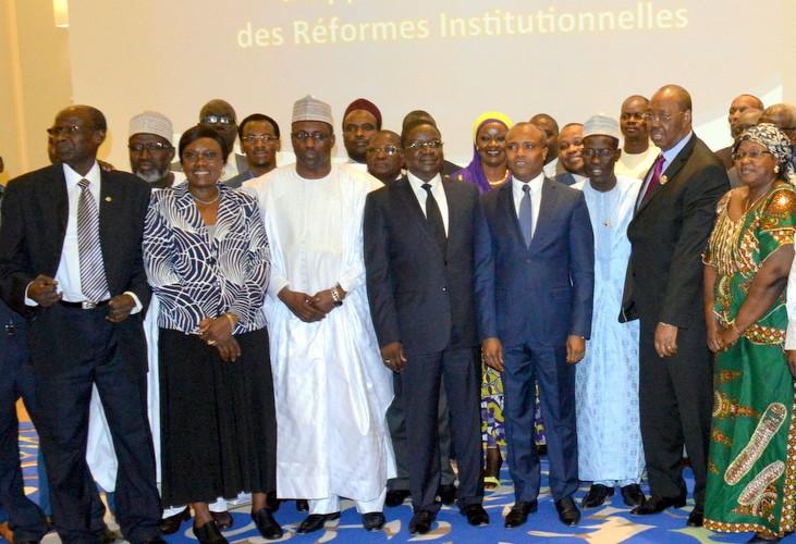 Tchad : Le rapport final sur les réformes institutionnelles remis au Haut comité pour le forum national