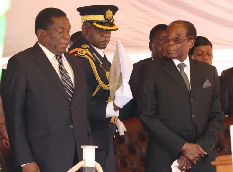 Zimbabwe : Robert Mugabe remplacé à la tête du parti  au pouvoir par Mnangagwa