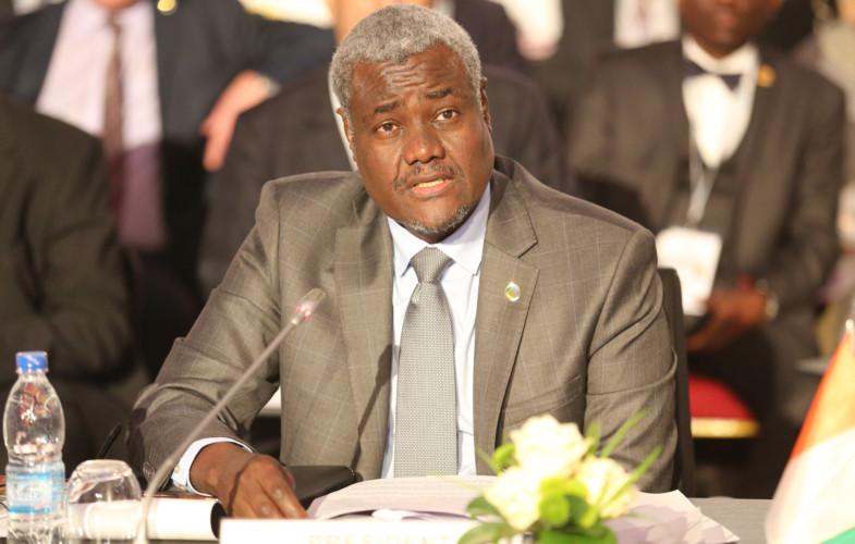 Cameroun : Moussa Faki Mahamat encourage le peuple camerounais à dialoguer