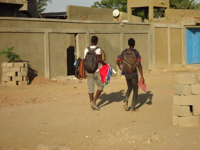 Tchad : Des élèves exercent des activités commerciales en attendant la reprise des cours