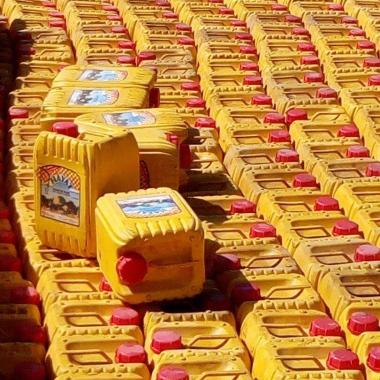 Economie: Sept camions remplis de bidons d'huile bloqués à Diffa au Niger