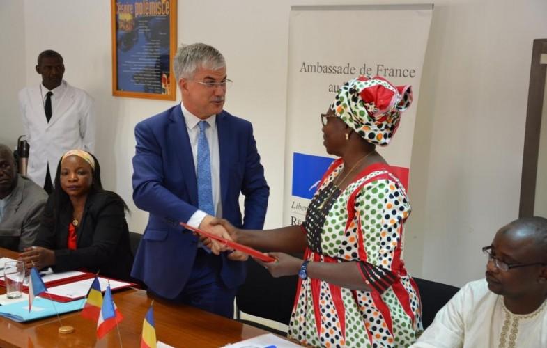 Tchad : l'Ambassade de France finance 5 projets innovants à hauteur de 105 millions de FCFA