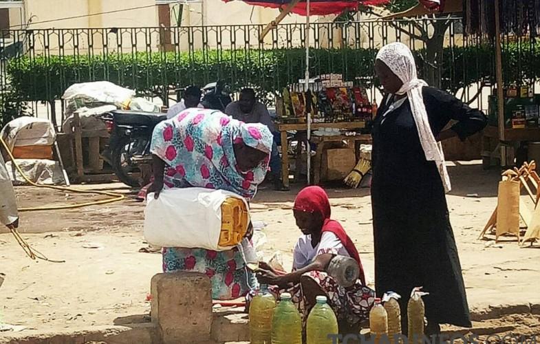 Tchad : prolifération d'essence de contrebande à cause du prix à la pompe