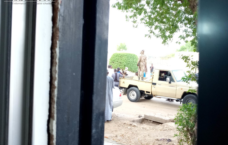 Des tirs d'armes à feu d'agents de la douane mobile à Dingangali