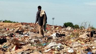Société : Les « Django Django », trieurs d'ordures pour survivre