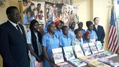 Education : Plus de 11 700 manuels d'éducation civique et morale pour les élèves du Lac
