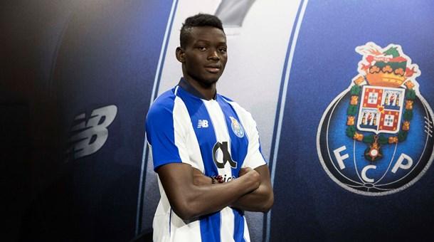 Iyalat : Le jeune attaquant tchadien Marius Mouandilmadji signe au FC Porto pour 4 ans