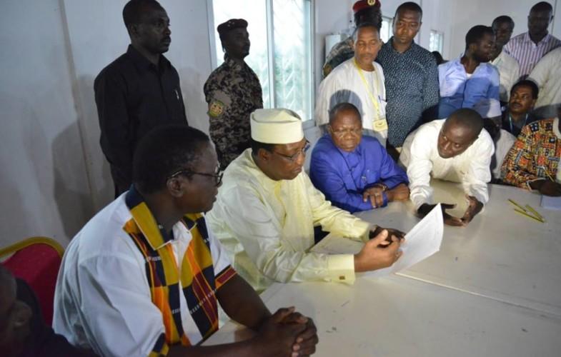 Education : Visite surprise du président Déby à l'ONECS