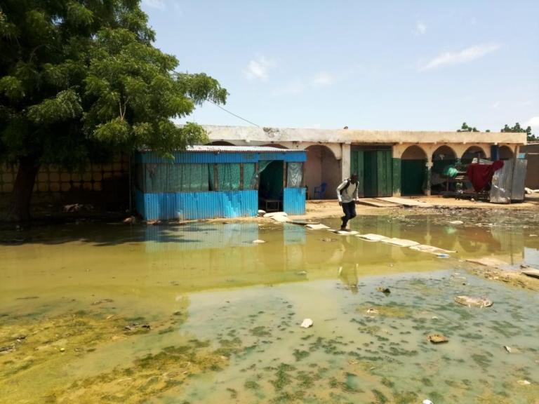 Société : une partie du quartier Habbena inondée suite au débordement d'un bassin de rétention