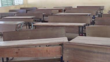 Cours à distance: les élèves  se heurtent au manque d'électricité et d'interactivité