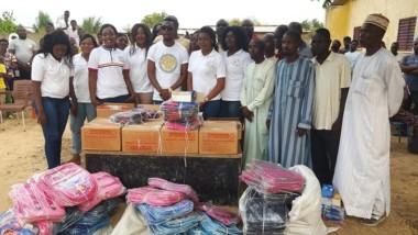 Education : la fondation Tchad Helping Hands fait un don de kits scolaires à une école de N'Djamena Fara
