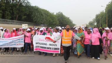 Octobre rose : la ligue Tchadienne pour la Lutte contre le Cancer a organisé une marche Solidaire