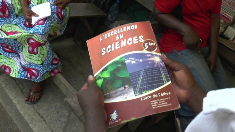 Niveau du système éducatif 6/11: le manuel scolaire de 5ème qui divise au Cameroun