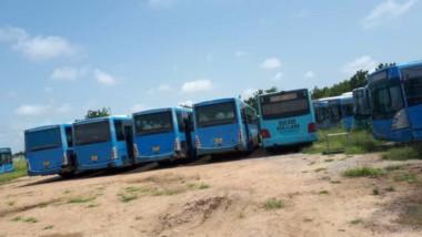 Transport des étudiants : faute de carburant, les bus du CNOU sont garés