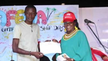 Iyalat : Memtingar Beramgoto Nikaise remporte le premier prix du Women Entrepreneurship  Days