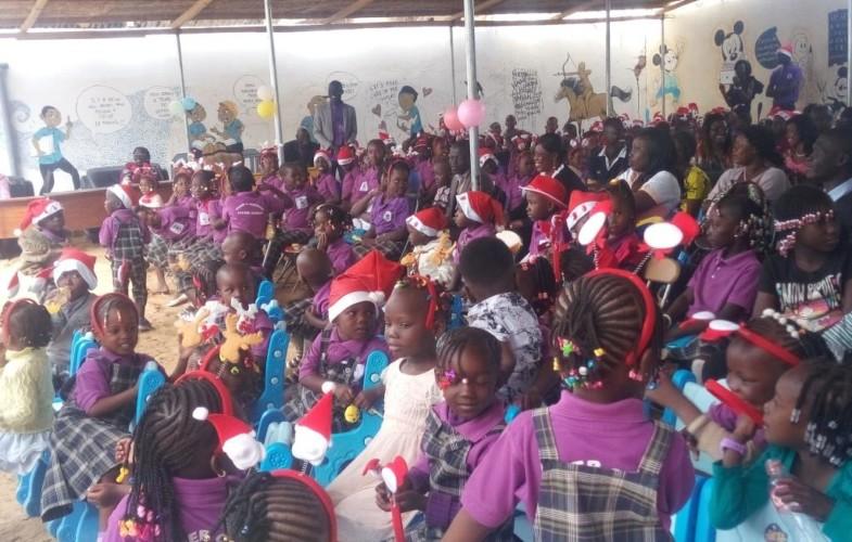 Noël : le complexe scolaire Saint Benoit fête la Noël avec les enfants
