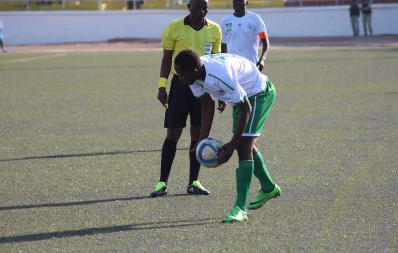 Football:  dix clubs de N'Djamena luttent pour quatre places au championnat national