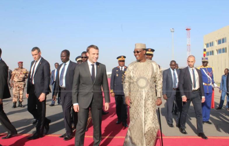 Diplomatie : Emmanuel Macron vient de fouler le sol tchadien