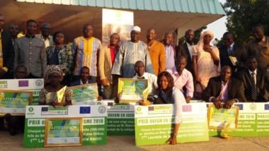 Média : huit journalistes lauréats du prix en journalisme d'Oxfam