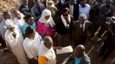Découverte de probables vestiges Sao: visite de deux membres du gouvernement sur le site