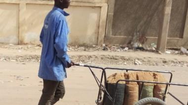 Tchad : la vente du sable, une source d'emploi temporaire pour les jeunes