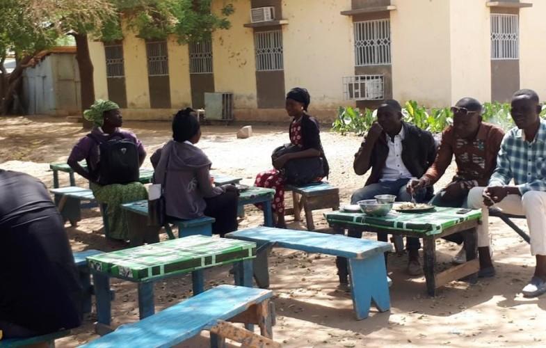 Tchad : des restaurants de fortune remplacent ceux du CNOU en arrêt