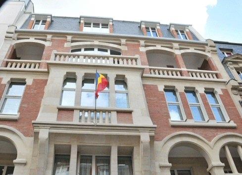 Diaspora : l'ambassade du Tchad à Paris saccagée, N'Djamena condamne l'acte