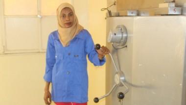 Tchad : Macka Cherif, la seule femme ingénieure en Génie biomédicale