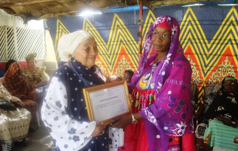Fête des mères : l'Association des femmes anti clivage honore les femmes