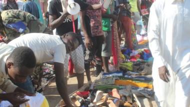 Fête de Ramadan : des vendeurs ambulants de circonstance envahissent les marchés