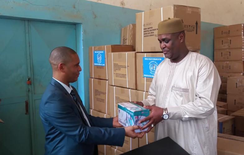 Tchad : l'OMS fait un don pour renforcer la santé maternelle et infantile