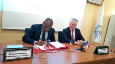Tchad-France: les Écoles nationales d'administration des deux pays signent un accord de partenariat