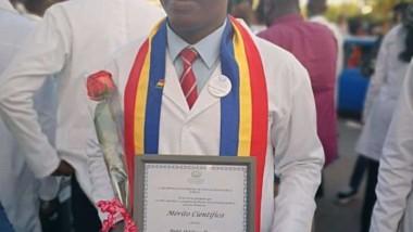 Iyalat : Djalal Abdoulaye, seul étranger ayant reçu le mérite scientifique de l'université de la Havane