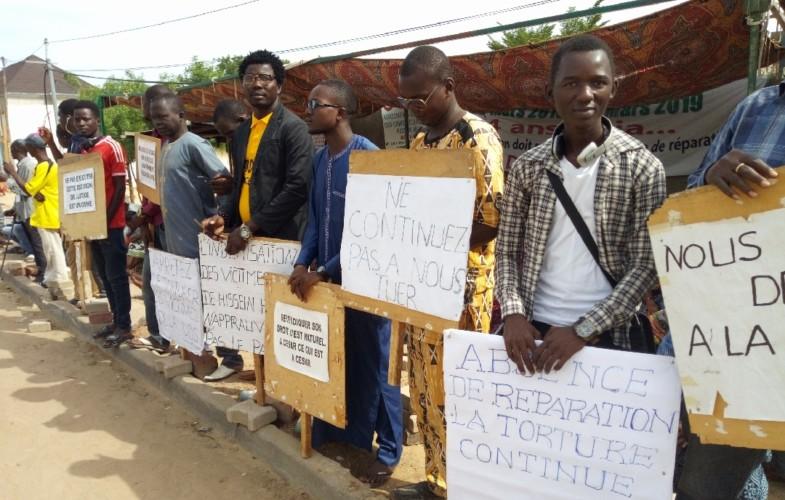 AUDIO. ″Echos de N'Djam #8″ : N'Djaména, les artistes et activistes soutiennent les victimes de Hissein Habré