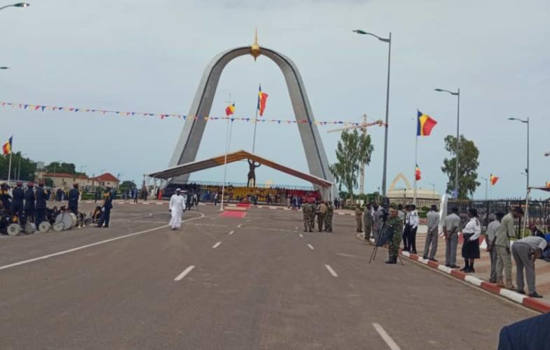 Tchad : cérémonie de prise d'arme en cours