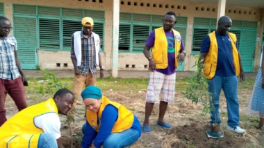 World day clean  : Lions Clubs plante 300 arbres  au lycée Félix Éboué
