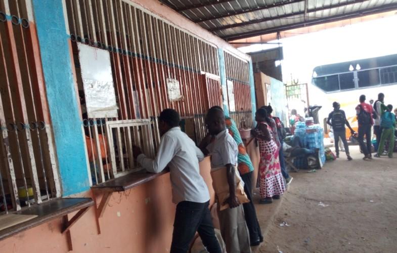 """Tchad : des agences de voyage font du transfert d'argent et de colis leur """"business"""""""