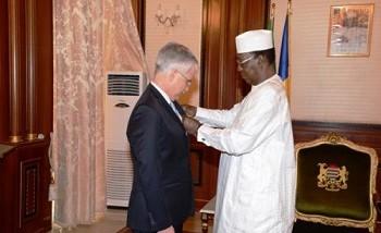 Tchad/France : l'ambassadeur Philippe Lacoste décoré par Deby